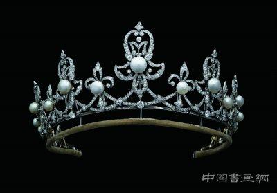 来自江河海洋的珍宝展览开幕 孝端皇后凤冠同展