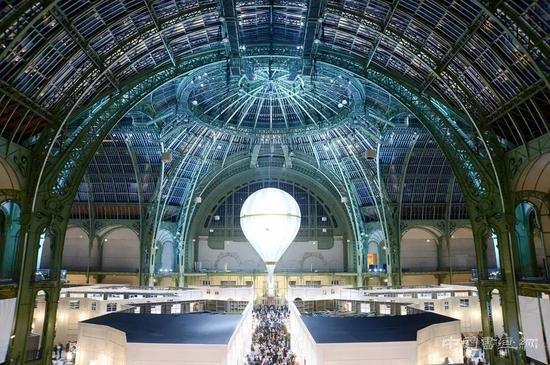 2018年巴黎双年展在巴黎大皇宫博物馆开幕