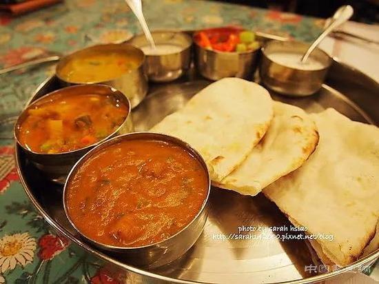 印度寻回失窃天价金饭盒 小偷竟用来吃饭