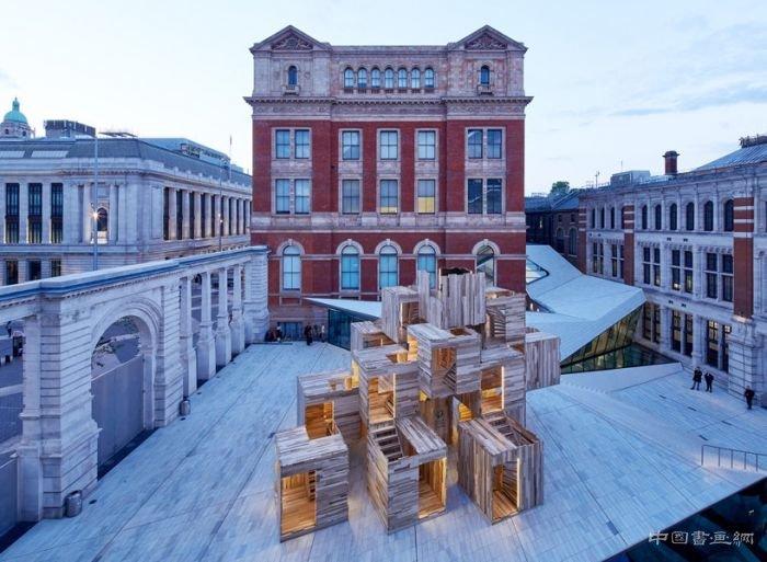 多层堆叠趣味模块化装置亮相伦敦设计节