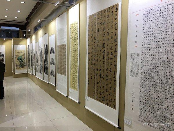 """纪念改革开放40周年暨第九届""""长城杯""""书画展举行"""