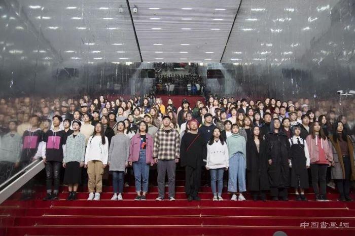 """上海双年展的""""禹步""""之意"""