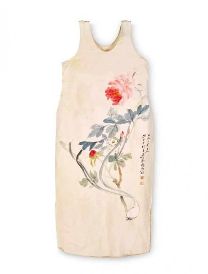 张大千手绘丝质裙装首现巴黎佳士得