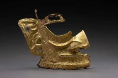 <b>三星堆新出土黄金面具、象牙等重要文物500余件</b>