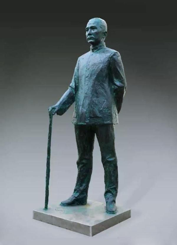 <b>《孙中山立像》(铸铜)</b>